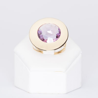 Ring in 18 kt yellow gold with natural amethyst