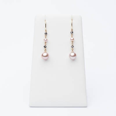 Earrings with black diamonds and rose pearls