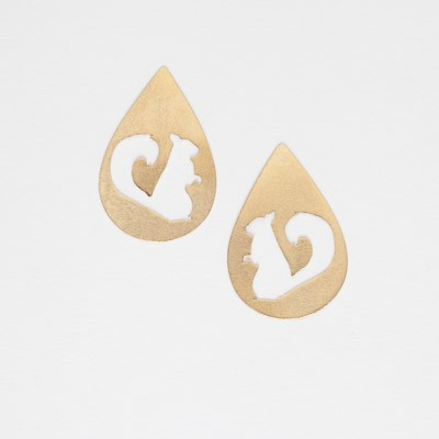 Earring in gold with squirrel shape