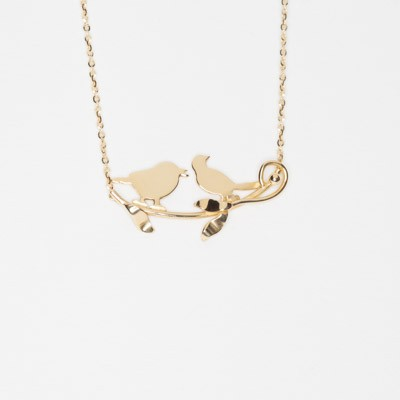 Charm with chain, birds on a brach